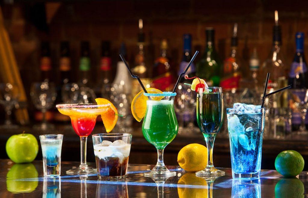 Воздержитесь от алкогольных коктейлей до и после процедуры