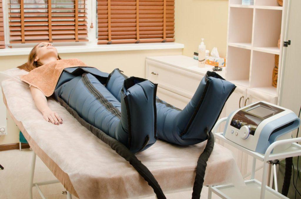 Limfodrenazhnyj massazh nog