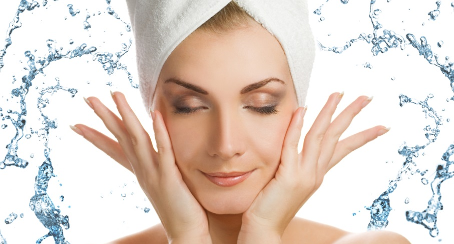 Вода гарантирует лишь кратковременное увлажнение кожи лица